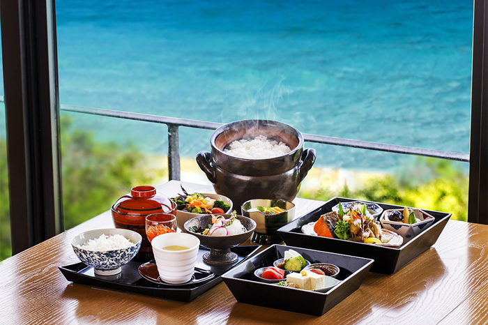 朝食膳(三段)